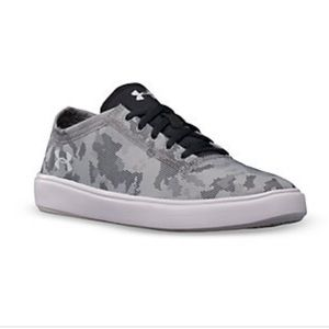 Under Armour kickit2 low shoes